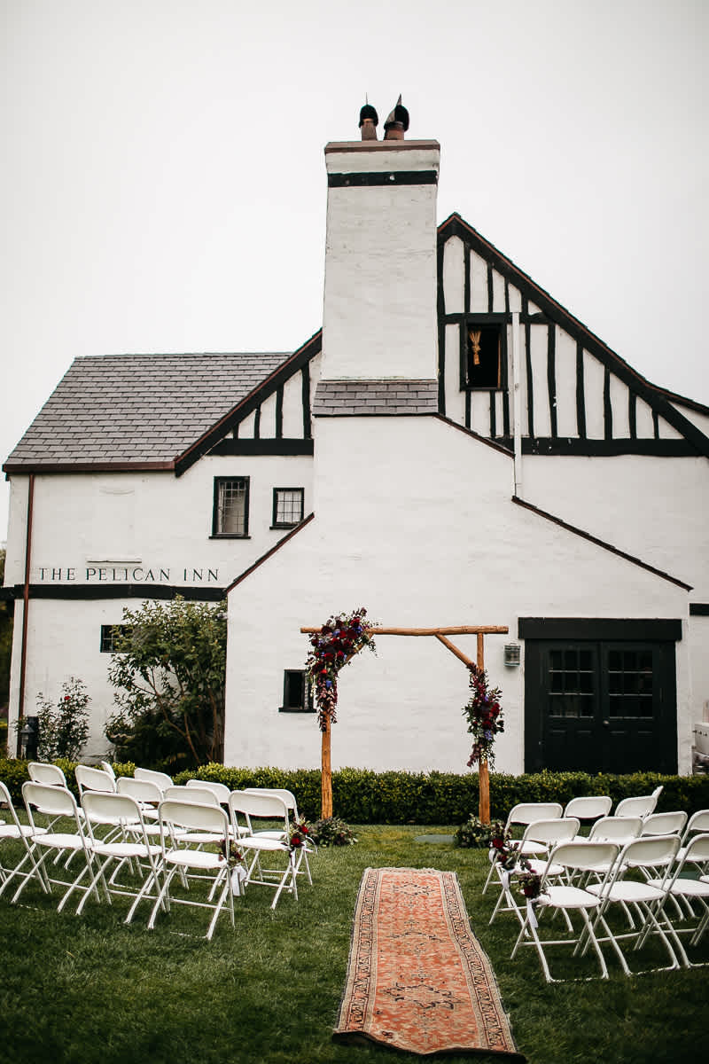 muir-beach-pelican-inn-foggy-wedding-33