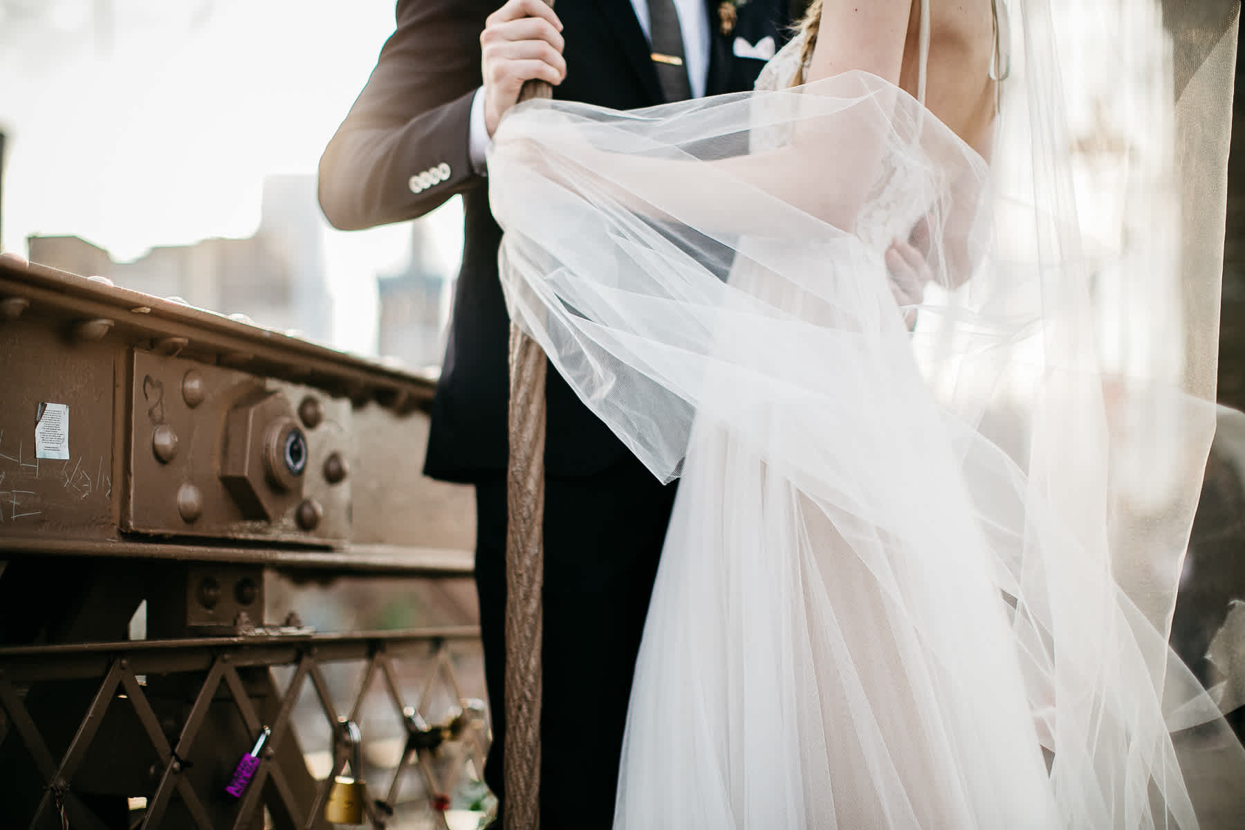 nyc-bhldn-stylized-brooklyn-bridge-elopement-54