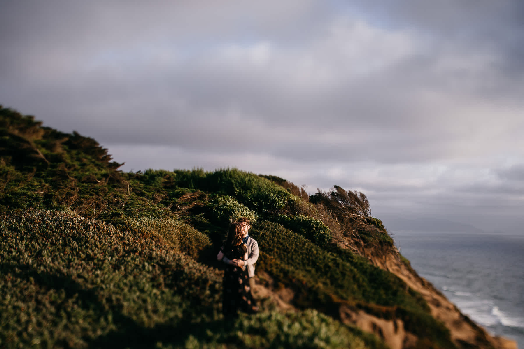 san-francisco-cloudy-outer-sunset-couple-session-22