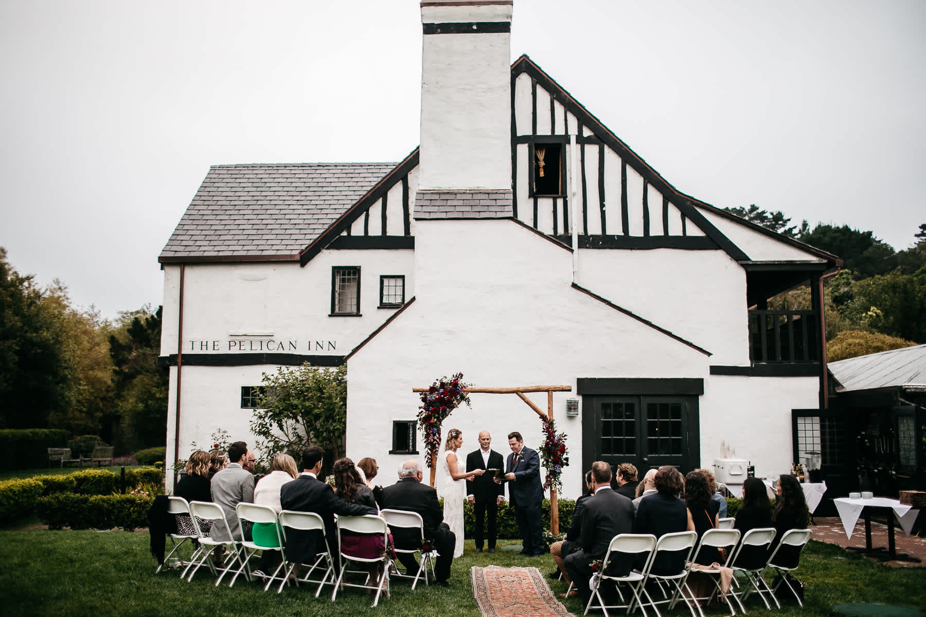 muir-beach-pelican-inn-foggy-wedding-42