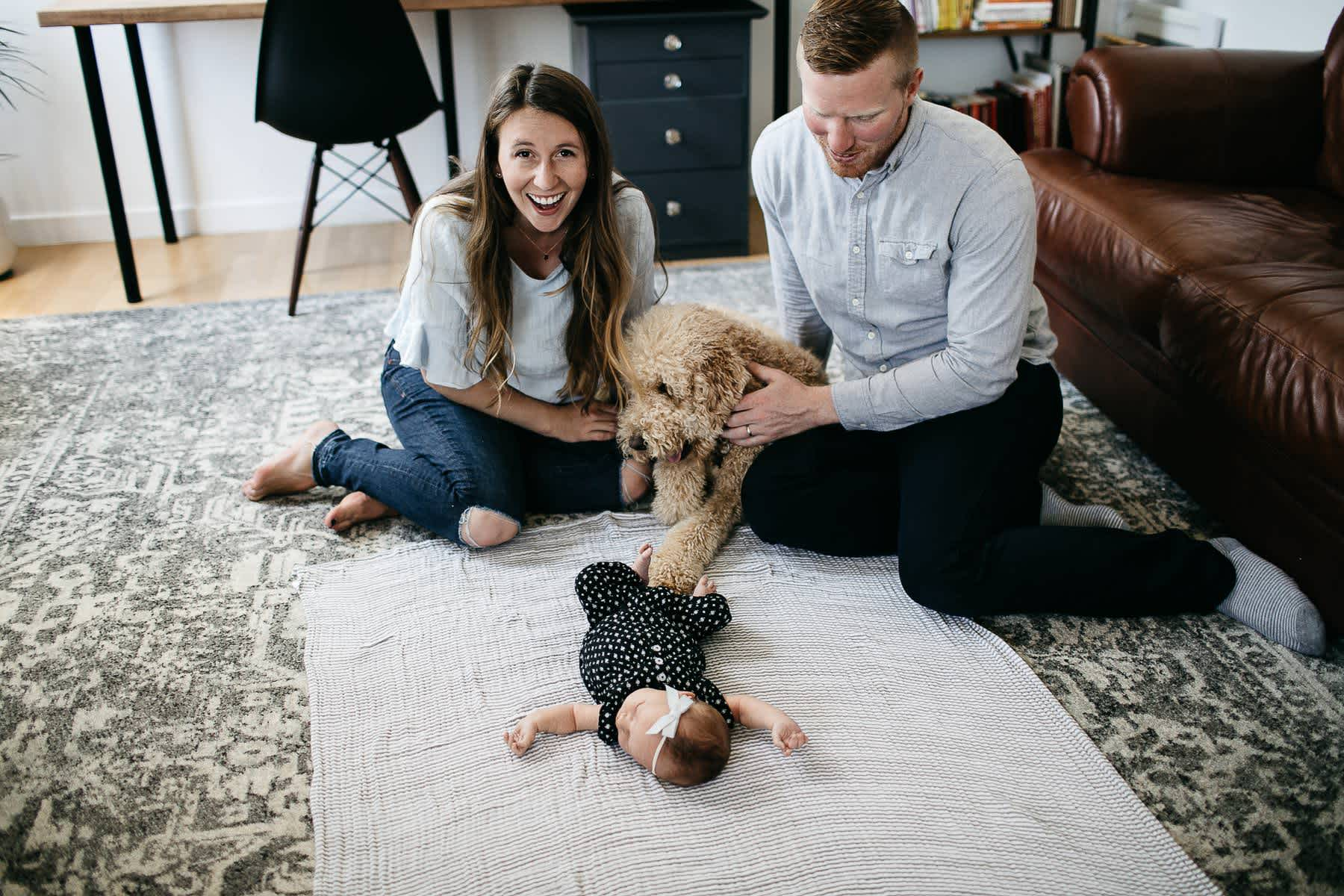san-francisco-lifestyle-in-home-newborn-with-dog-18