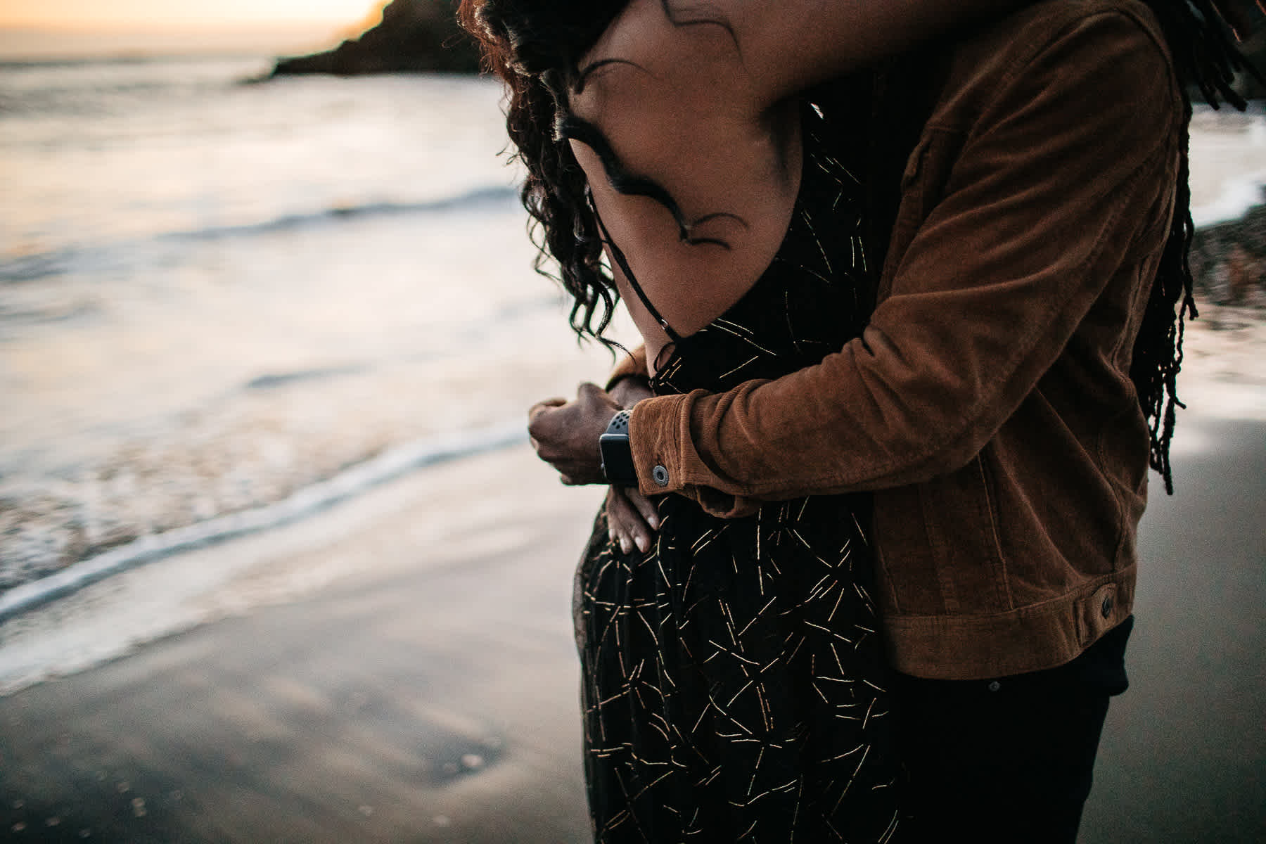muir-beach-ca-spring-lifestyle-engagement-session-54