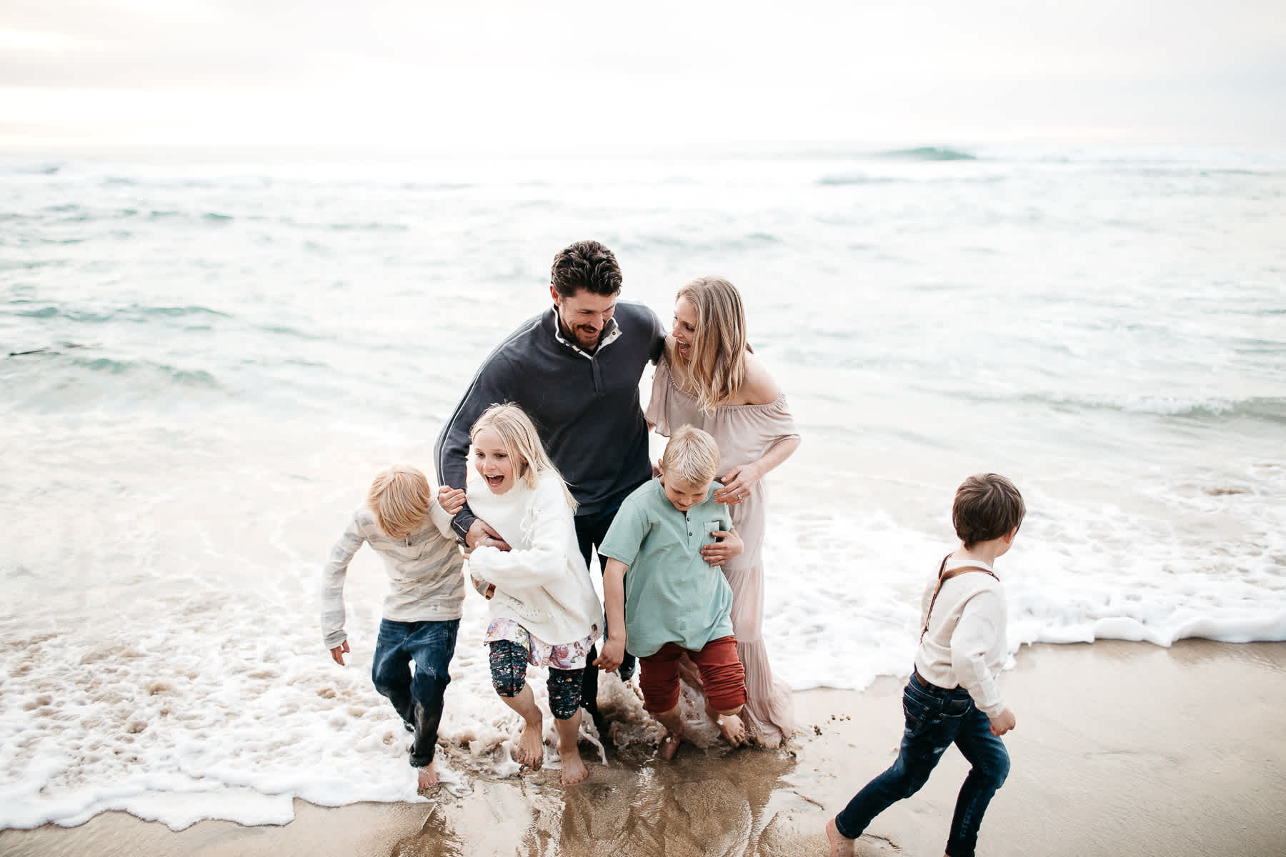 half-moon-bay-ca-sunset-family-lifestyle-session-golden-light-31