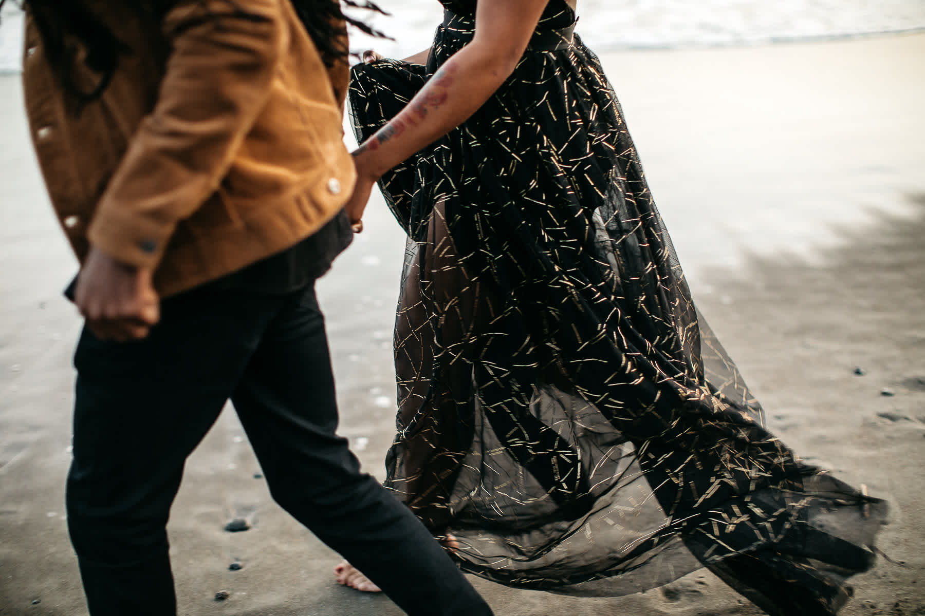 muir-beach-ca-spring-lifestyle-engagement-session-30