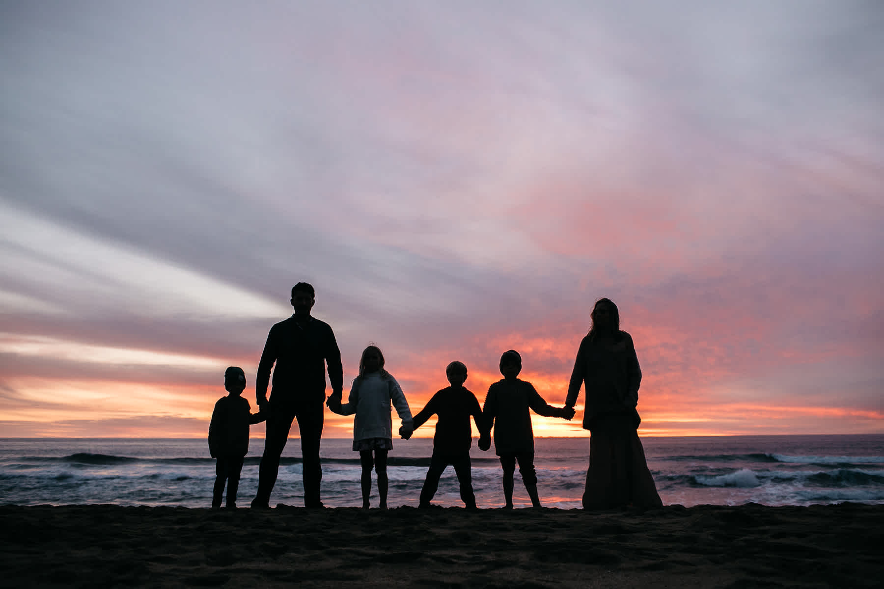 half-moon-bay-ca-sunset-family-lifestyle-session-golden-light-58