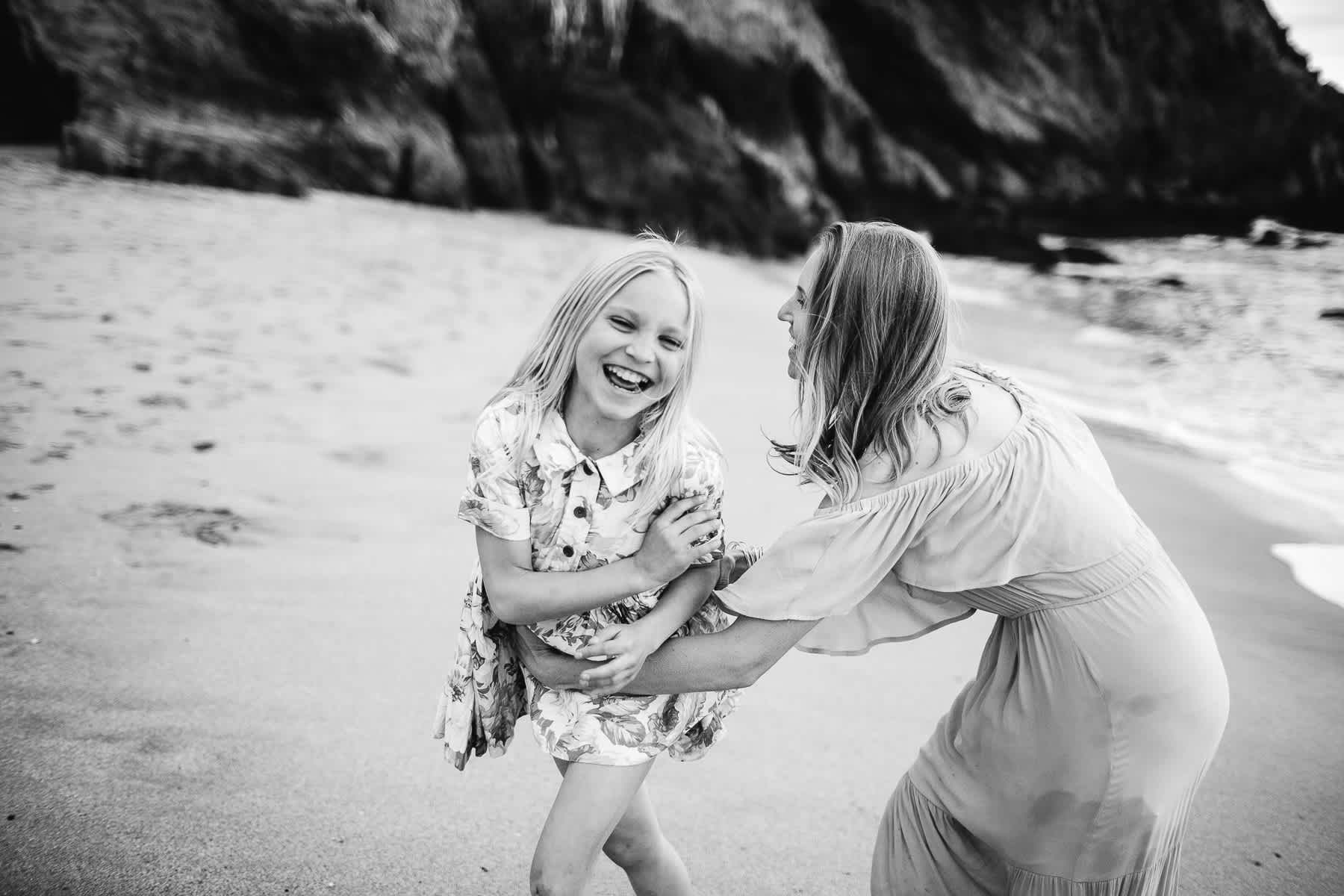 half-moon-bay-ca-sunset-family-lifestyle-session-golden-light-28