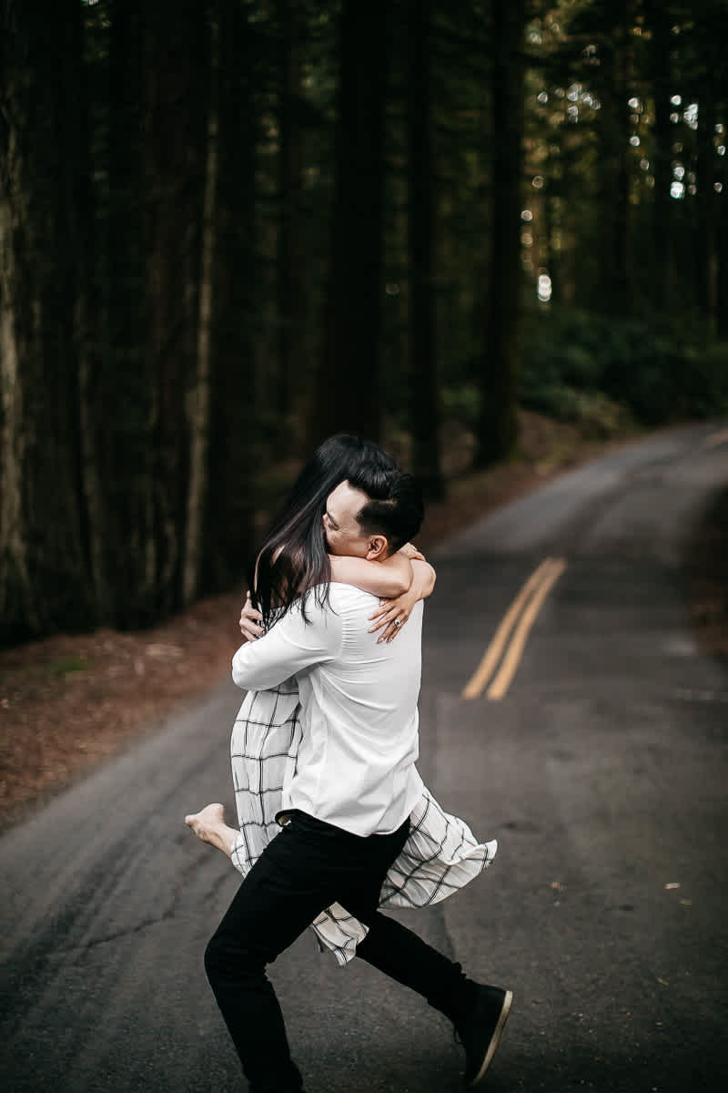 stinson-beach-muir-woods-sf-fun-quirky-engagement-session-16