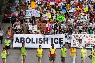 Thousands In Chicago Protest Planned ICE Arrests Of Undocumented Immigrants