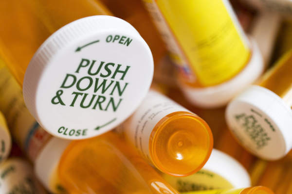 prescription pill bottles-iStock-1140455513