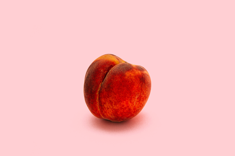 Peach still life - butt concept
