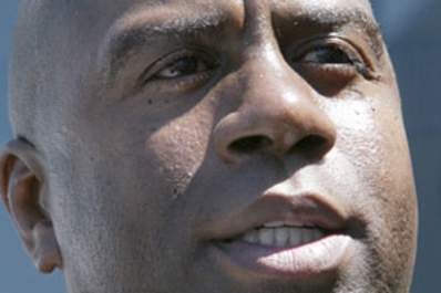 Why Do People Still Think Magic Johnson Doesn't Have HIV? Img