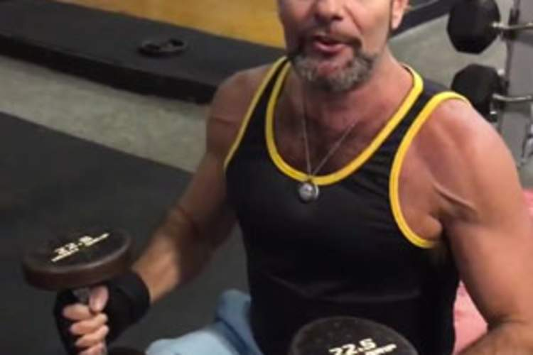 Watch Larry Kramer's Trainer Show You a Simple Weights Workout to Stay Super-Fit as You Age Img