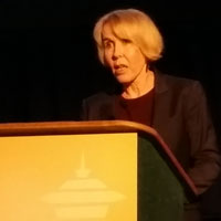 Helen Rees presents results of the FACTS 001 trial at CROI 2015