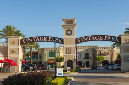 Nearby shopping and dining at vintage park