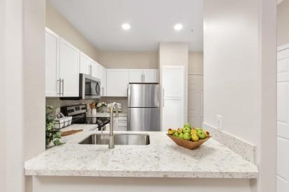 Kitchen breakfast bar quartz countertops