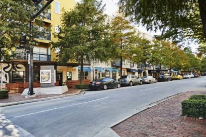 Midtown walking distance to restaurants