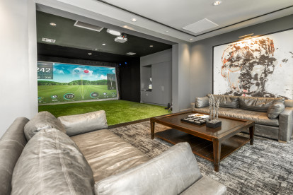 Play games on the golf and game simulator.