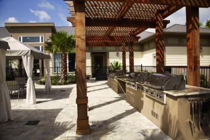Poolside grill pavilion
