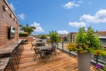 Rooftop outdoor lounge 5