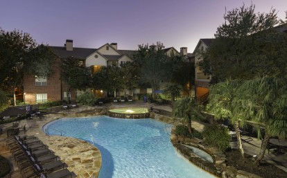 Resort style pools with wifi and lap lane