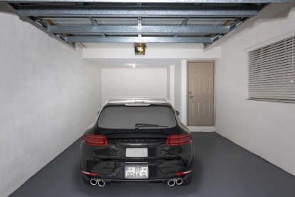 Large garage with direct entry