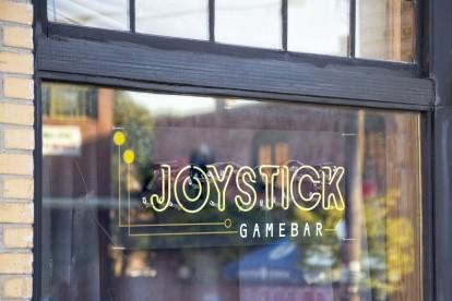 Joystick gamebar near community