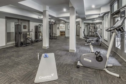 24 hour fitness center with stationary bikes