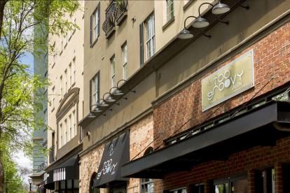 Street level retailers