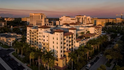 Convenient location with easy access to mizner park restaurants and shopping