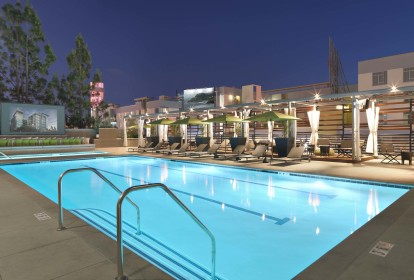 Pool deck with entertainment tv