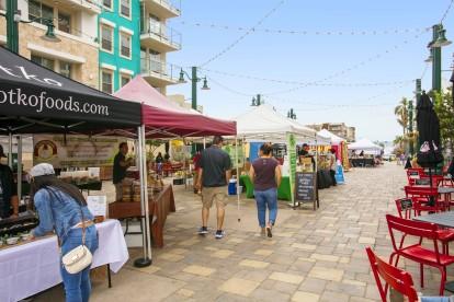Weekend farmers market just outside community