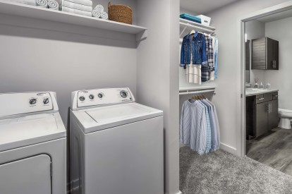 Modern garden apartment with full size washer and dryer and walk in closet