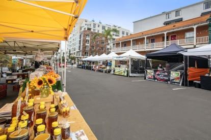 Farmers market every weekend outside community