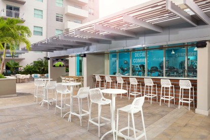 Outdoor seating around the pool
