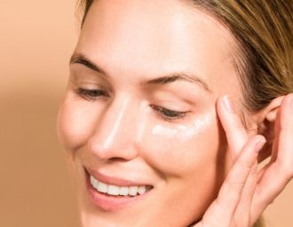 Are Retinoid Eye Creams Effective for Dark Circles and