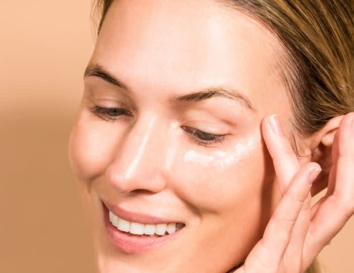 Are Retinoid Eye Creams Effective for Dark Circles and Puffiness?