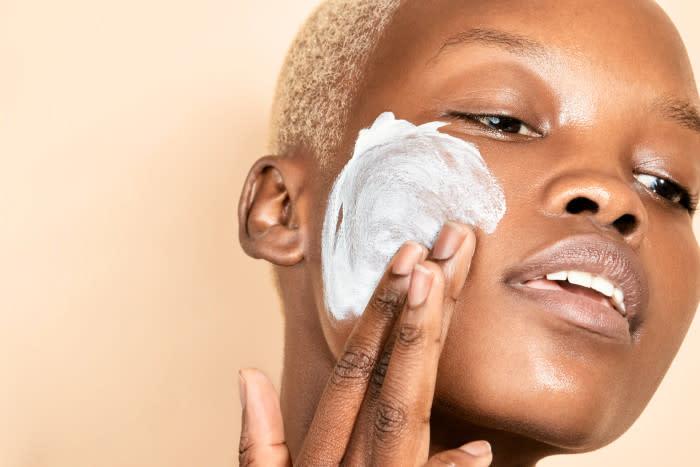 Dermalogica-Gentle-Cream-Exfoliant-exfoliating-face-700x467