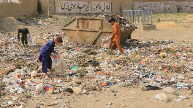 121021 Children collect rubbish, ITV News
