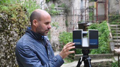 Dr Fabrizio Galeazzi collecting 3D data for the film