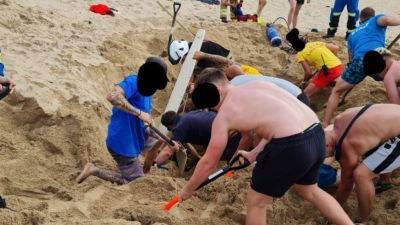 People rush to dig out man who had become buried in sand in Newquay