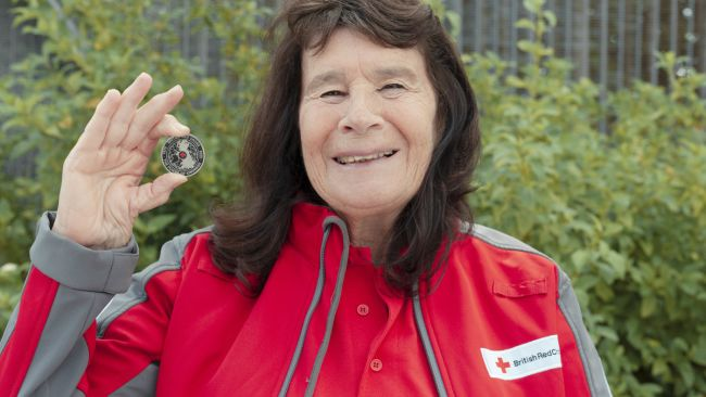 290720 Sandra Fisher receives coin - Royal Mint