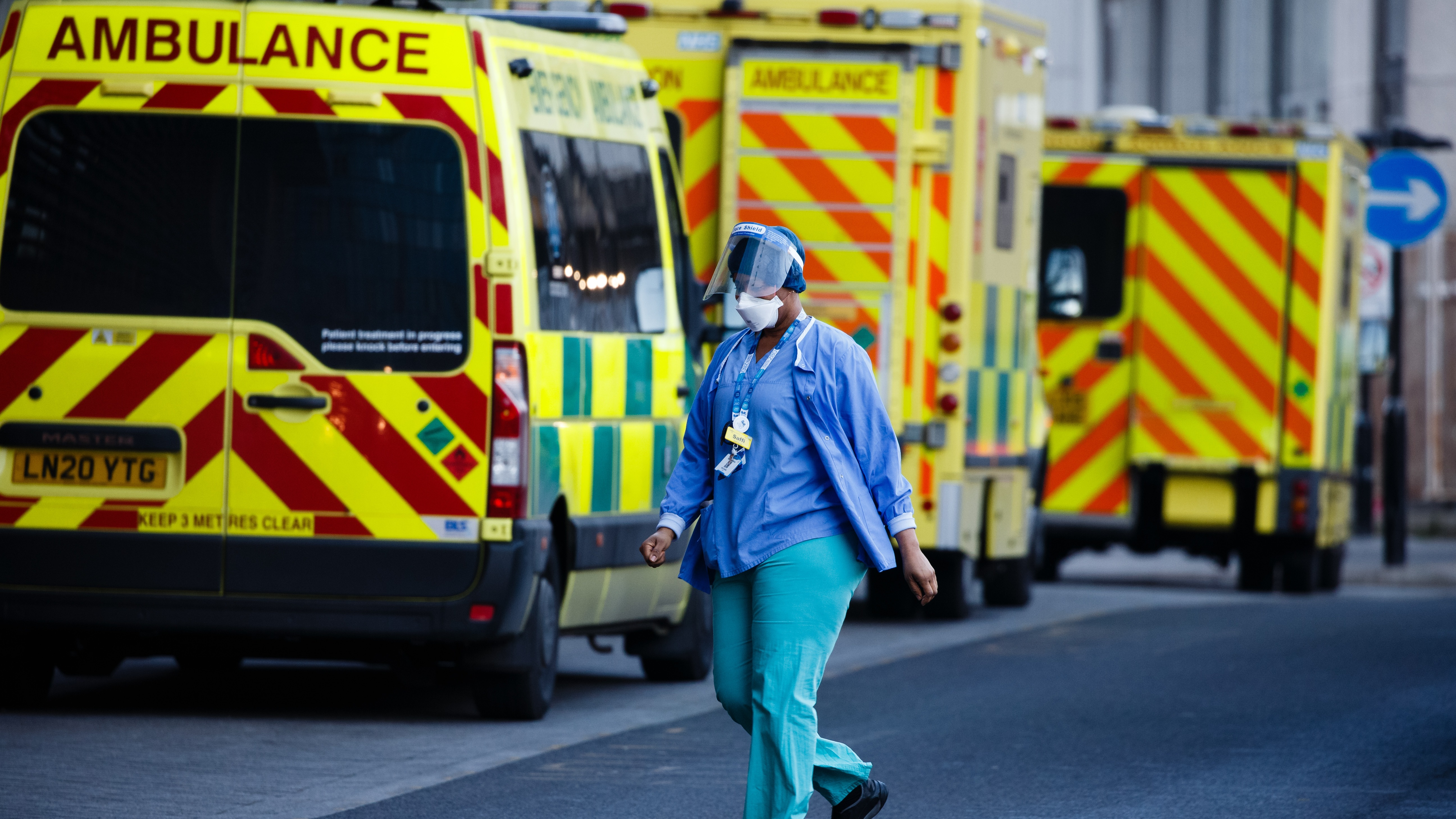 Covid: 35 new deaths reported in the UK as cases rise by 2,206