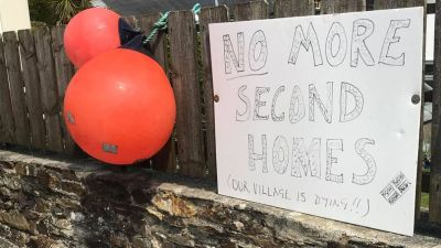 The sign outside Steve Ridholls' house in Castle Meadows, St Agnes- 01