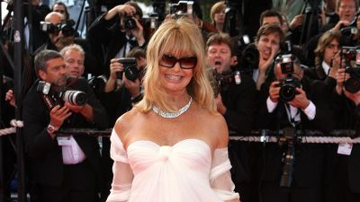 Goldie Hawn on the red carpet