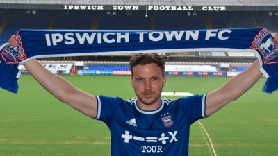 The Welsh midfielder becomes the third signing of the summer