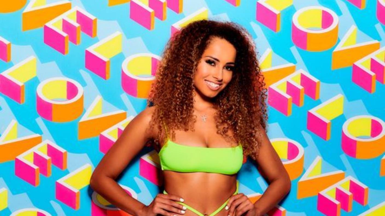 """LOOKA: Former Love Island winner makes Geordie """"cheat sheet"""" for viewers   ITV Information"""