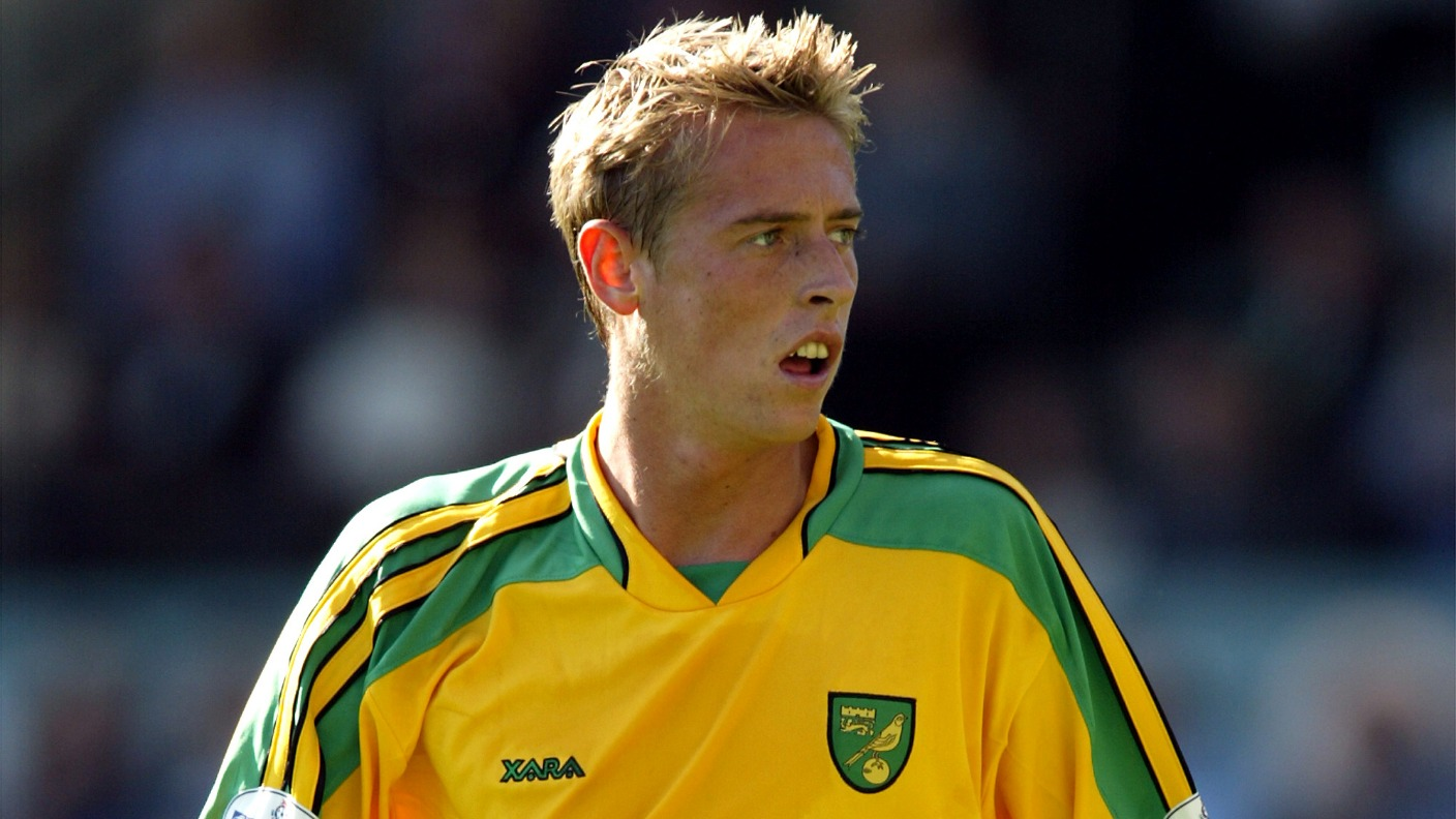 Former Norwich City loan star Peter Crouch announces retirement | Anglia | ITV News