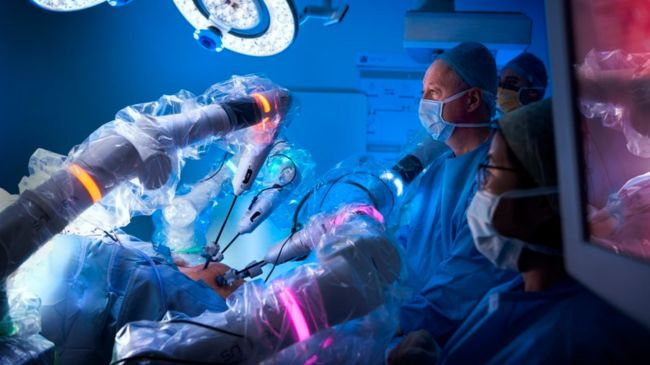 Nhs Hails Next Generation Of Surgical Robots To Help Treat Bowel Cancer Itv News
