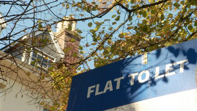 Flat to Let sign