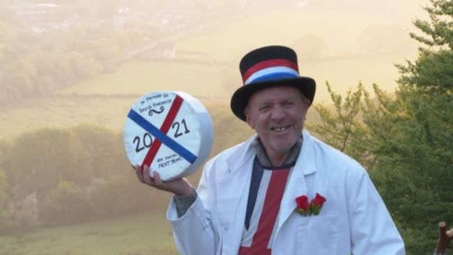 Jem Wakeman Gloucestershire Cheese Rolling master of the cheese sunrise